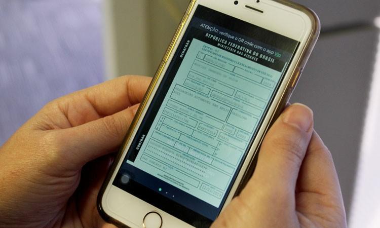 Documento digital de veículos está disponível em todo o Brasil; impressão pode ser feita em casa