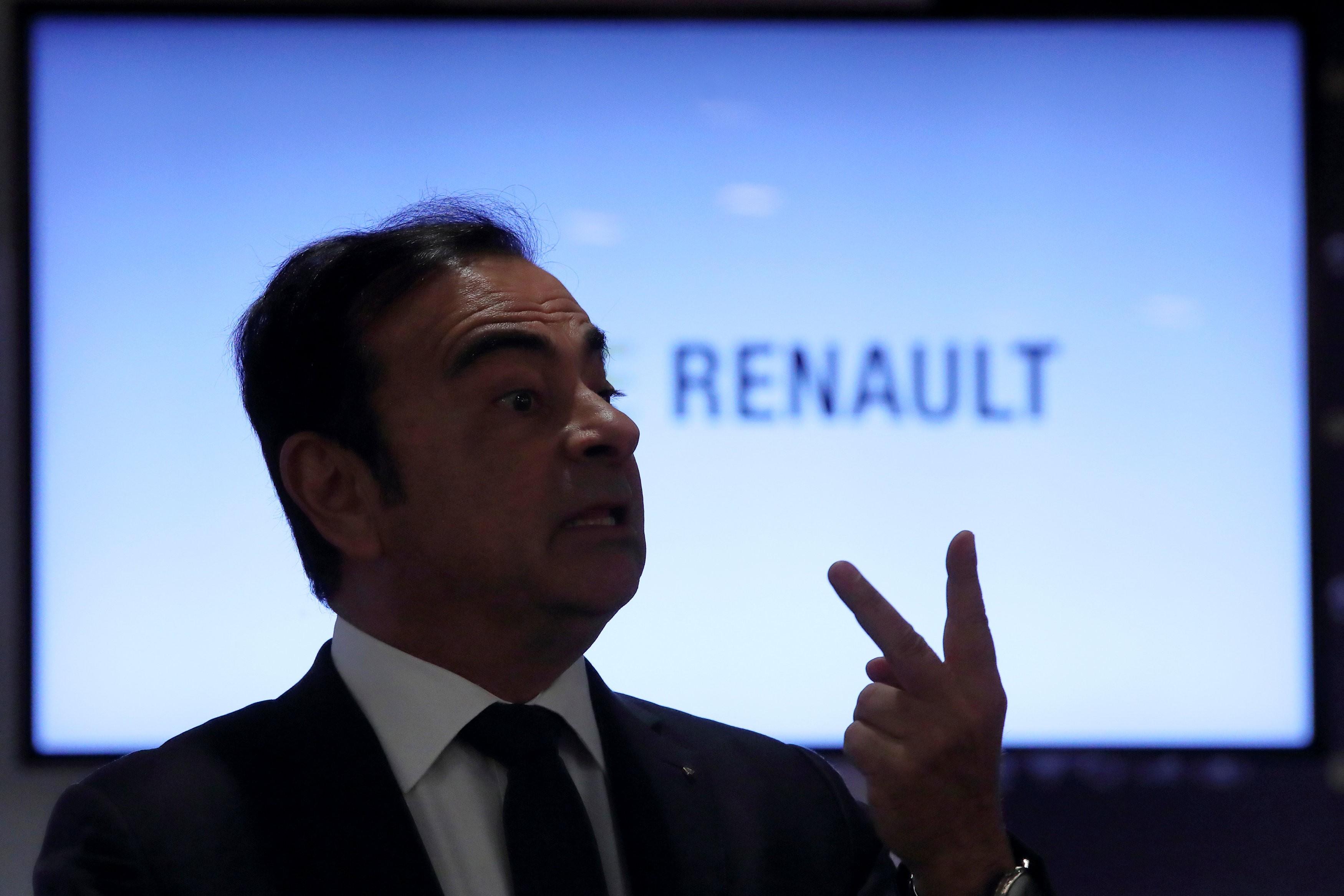 Governo da França pede substituição temporária de Ghosn no comando da Renault