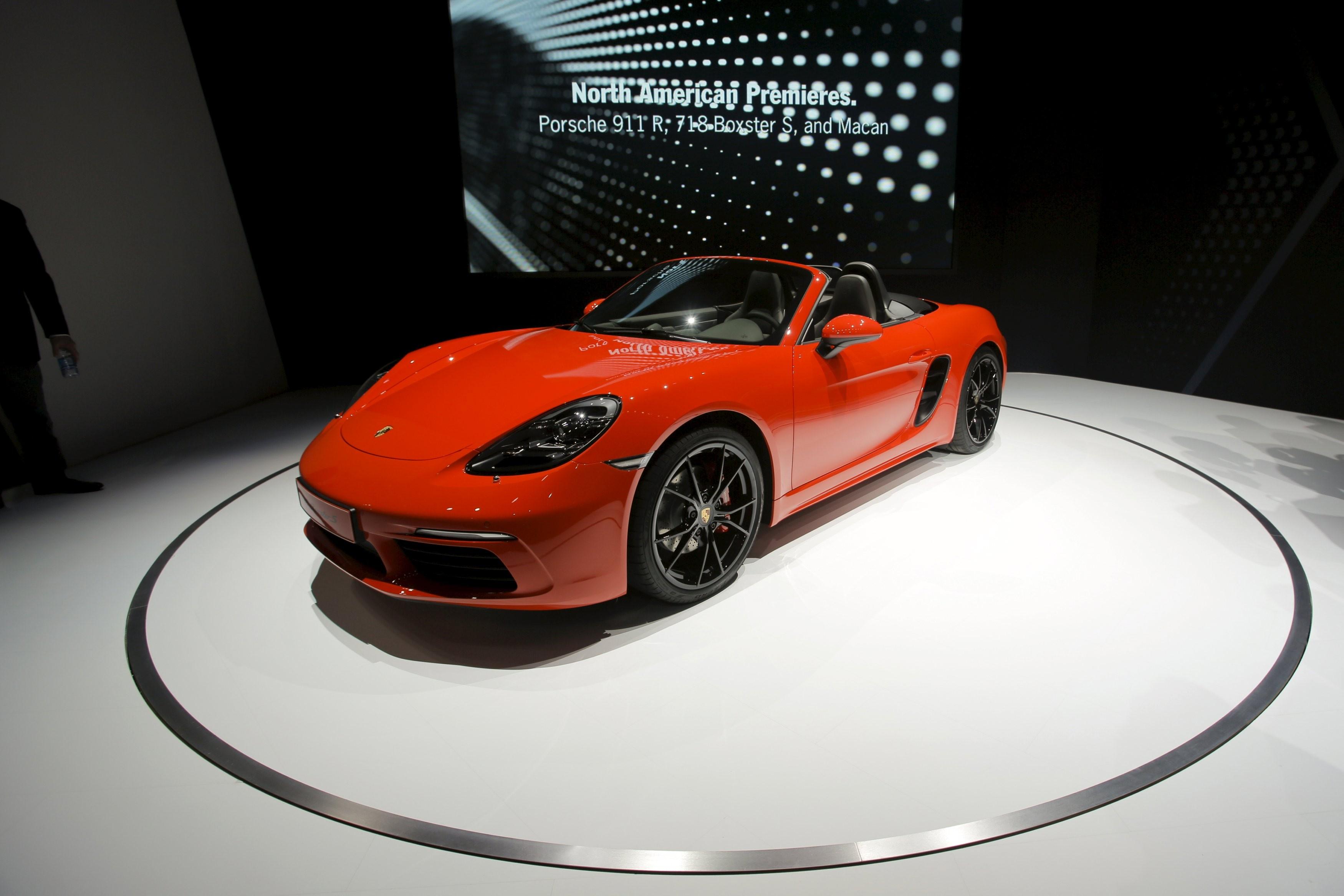 Porsche faz recall em 6 modelos por falha em airbag